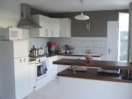 cuisine sur 2 cuisine photo 4 5 peinture taupe sur 2 pans de murs pour