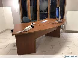 bureau complet bureau complet 2 tables 10 armoires 5 chaises te koop
