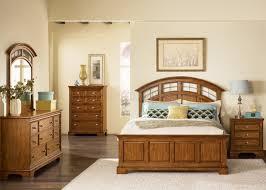 light oak finish traditional bed w optional case goods