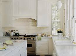 kitchens with tile backsplashes cool subway tile kitchen backsplash images mit verzierung per kuche