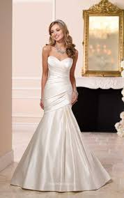 Fitted Wedding Dresses Ivory Satin Strapless Sweetheart Fit And Flare Wedding Dress