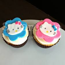 hello cupcake toppers www sugareduptoppers hello fondant cupcake toppers by