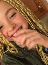 hairstyles for 12 year old girls 2015 teenage white girl receives back lash for wearing box braids
