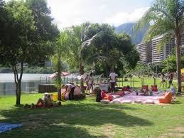 weekend family get togethers on rodrigo de freitas lagoon