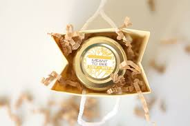 honey wedding favors meant to bee honey wedding favors weddings ideas from evermine