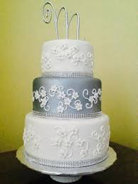 wedding cakes with bling silver bling wedding cake masterpieces cake