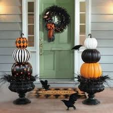 20 Elegant Halloween Decorating Ideas How To Throw An Halloween Party Candydirect Com Classy
