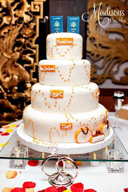 themed wedding cakes 28 beautiful travel themed wedding cakes weddingomania