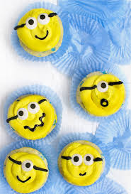minion cupcakes minion cupcakes deliciously declassified