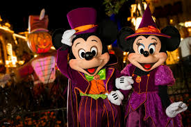 mickey s halloween party reviews mickey u0027s boo to you halloween parade 2016 review tips from the
