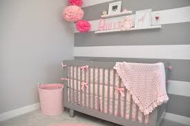 papier peint pour chambre bebe fille chambre bébé fille en gris et 27 belles idées à partager