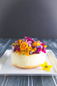 edible flower cakes let you enjoy beautiful blooms in sight and taste