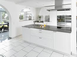 laminat für küche file küche landhaus 3d laminat jpg wikimedia commons
