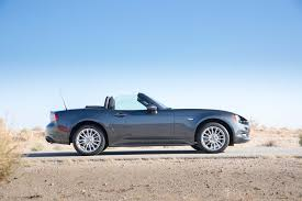fiat 124 spider 2017 motor trend car of the year contender