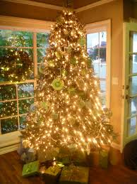 how to decorate a christmas tree with ribbon vertically decorating