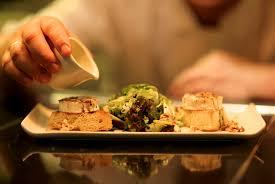 Sete chefs se re  nem para preparar o    jantar perfeito    em Porto Alegre  Saiba detalhes