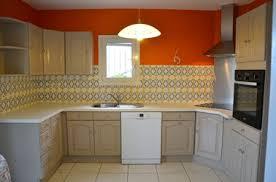 meubles de cuisine en bois charming repeindre des meubles de cuisine en bois vue jardin est