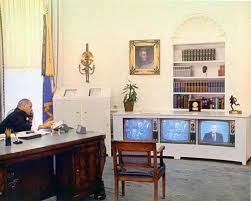 oval office decor history president johnson on the phone in the oval office white house