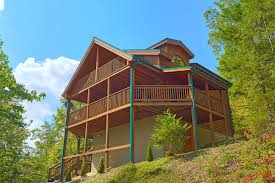 2 bedroom log cabin sevierville cabin rental heavenly hideaway 256 2 bedroom
