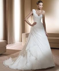 louer une robe de mariã e les 25 meilleures idées de la catégorie location de robe de mariée
