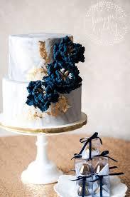 12 modern marble wedding cakes with gold detail wedding cake