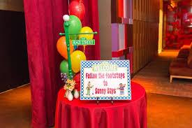 Welcome Table Kara U0027s Party Ideas Birthday Party At Sesame Street Kara U0027s Party