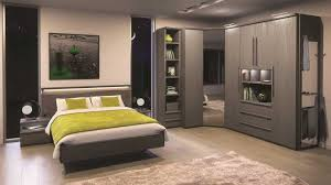 meuble chambre mansard armoire pour chambre mansarde placard collection avec meuble pour