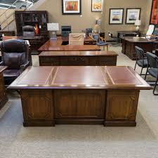 kimball president executive desk used kimball traditional leather top desk credenza set dee1538 043