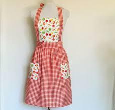 les modeles de tablier de cuisine un tablier de cuisine modèles originales archzine fr apron and