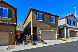 5 best places to live in las vegas for families extra space storage