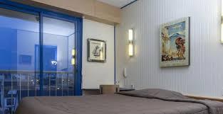 chambres d hotes rennes hôtels hôtel arcantis le voltaire à rennes chambres au calme