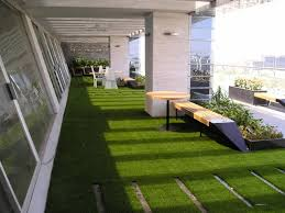 kunstrasen auf balkon teppich für terrasse 06144120170925 blomap