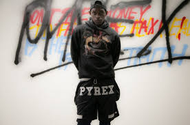 pyrex clothing a ap mob model in clothing from virgil abloh s pyrex vision