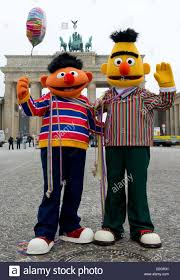 bert and ernie stock photos u0026 bert and ernie stock images alamy