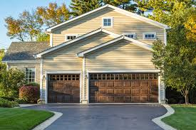 House With Garage Residential Garage Doors Grenada Ms Grenada Overhead Door Company