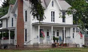simple farmhouse cottage country farmhouse design classic american farmhouse front