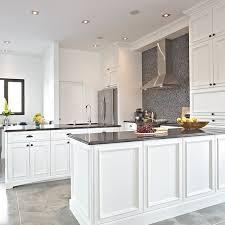 armoire de cuisine cuisine cuisine classique blanc cuisine classique blanc in cuisine