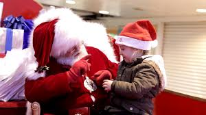 santa speaks sign language with little in mall business insider