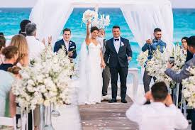 best place to get a wedding dress getting married in mexico islands