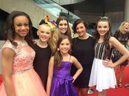 nia dance moms girls 2015 dance moms the international phenomenon hits sydney or how i lost my