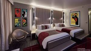 chambre hotel york disney peek inside disney s hotel york the of marvel resort