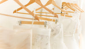 wedding dress consignment sell or buy wedding gowns accessories decor at this awesome