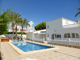 large 5 bedroom 3 bathroom family villa by the beach 55529