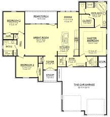 11 colonial style house plan 1800 square foot open floor plans