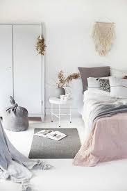 wohnideen schlafzimmer deco wohnideen fr schlafzimmer design modern wei grau schwarzer teppich