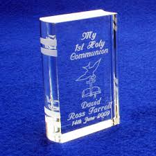 communion gifts for personalised minature holy communion book dove