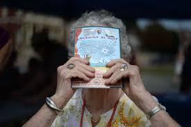 solar celebration hundreds gather to watch historic eclipse