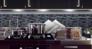 revetement mural cuisine adhesif carrelage adhésif mural pour cuisine et salle de bain