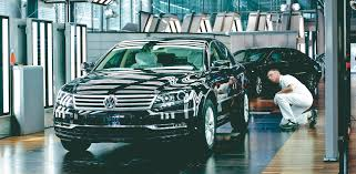 volkswagen germany factory volkswagen phaeton u0027s transparent factory planned for closure