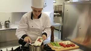 faire la cuisine faire la cuisine remuer hd stock 547 940 115 framepool